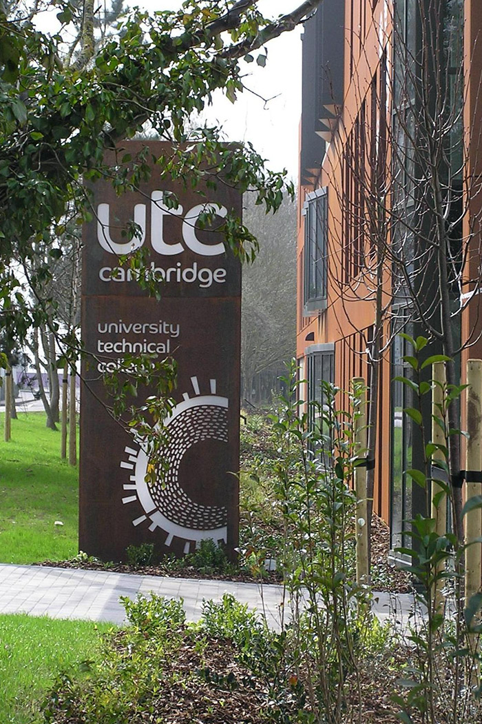 Projects-Education-UTC-Signage-1500x1050
