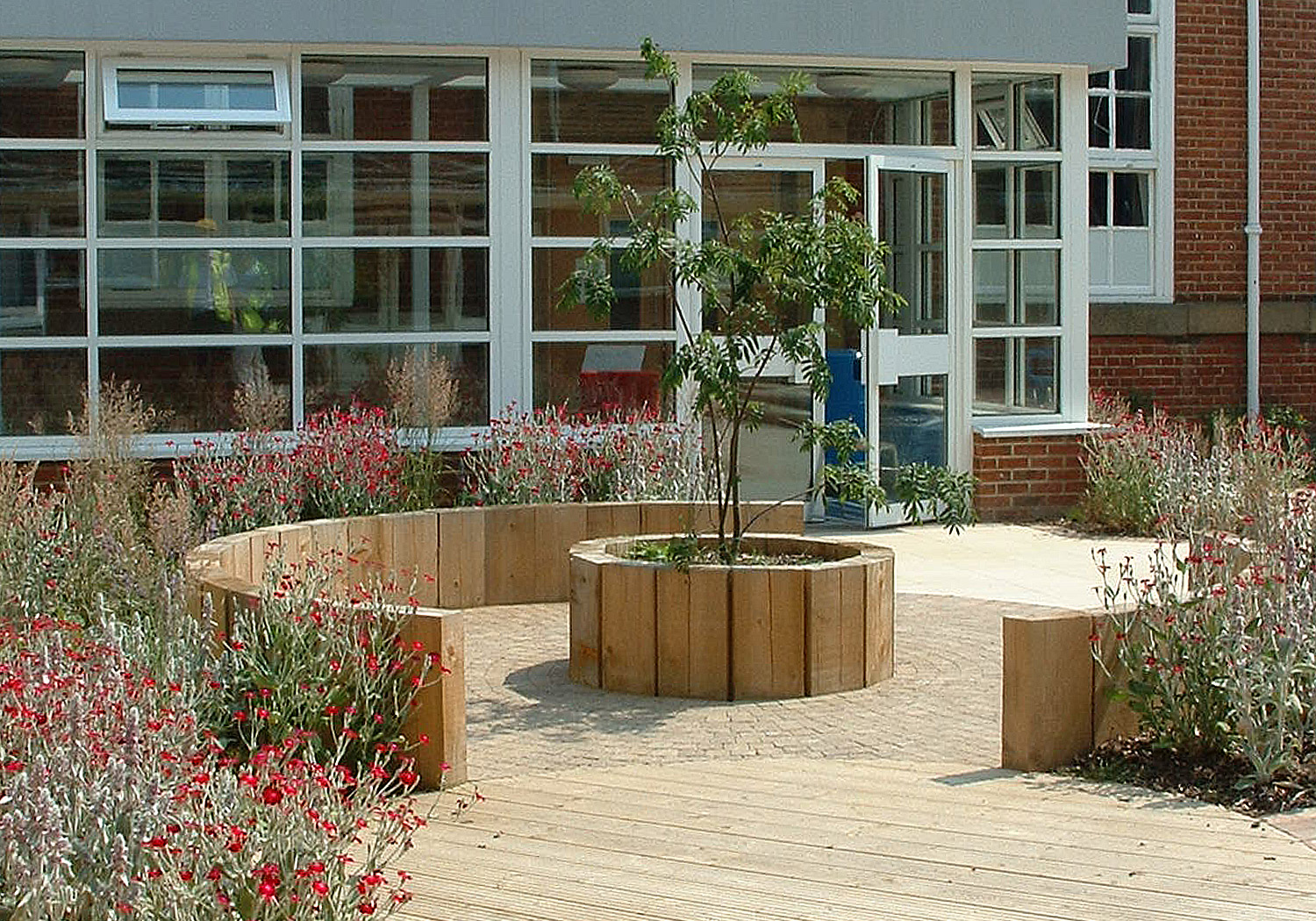 Projects-Education-Clacton-Planting-1500x1050