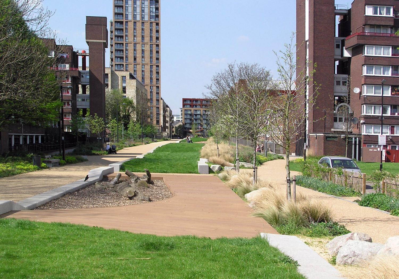 Projects-ParksPublicRealm-SurreyCanal-Photo1-1500x1050
