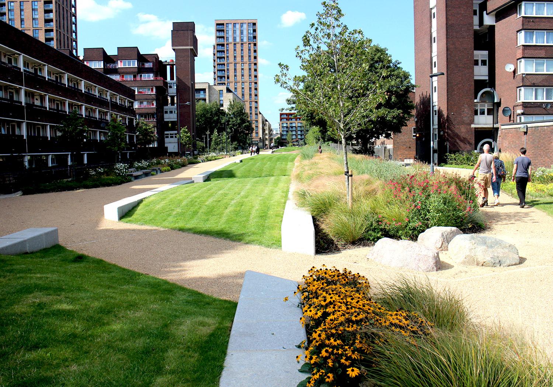 Projects-ParksPublicRealm-SurreyCanal-Photo4-1500x1050