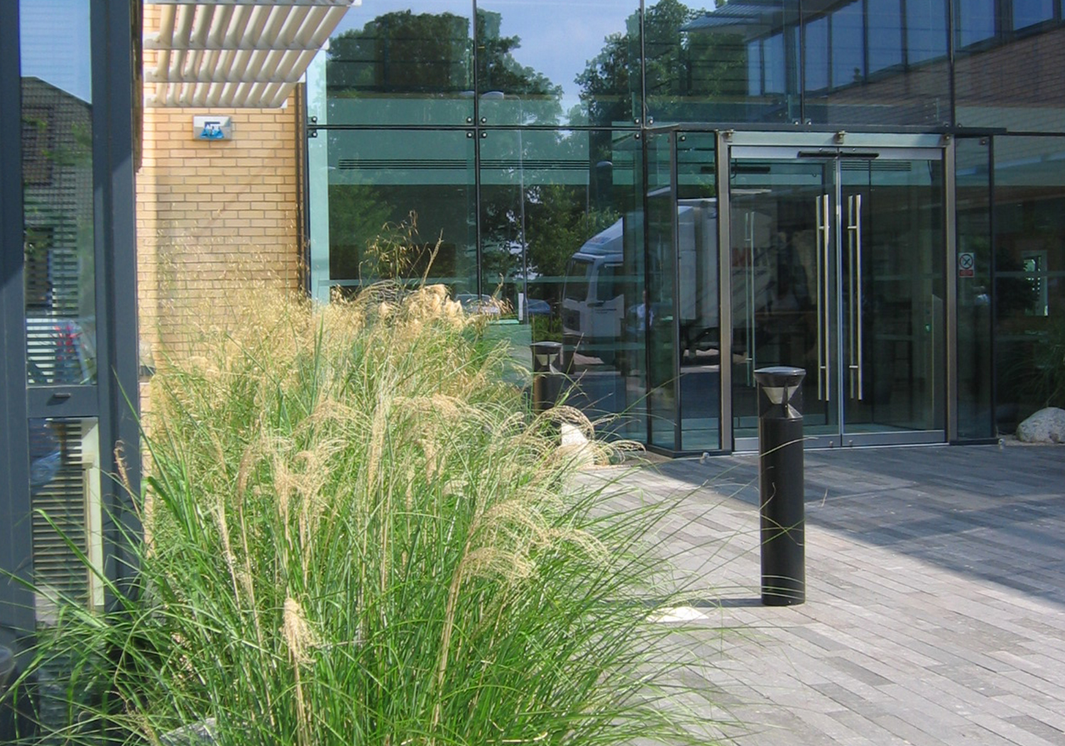 Projects-CommInd-CapitalPark-EntranceGrasses-1500x1050