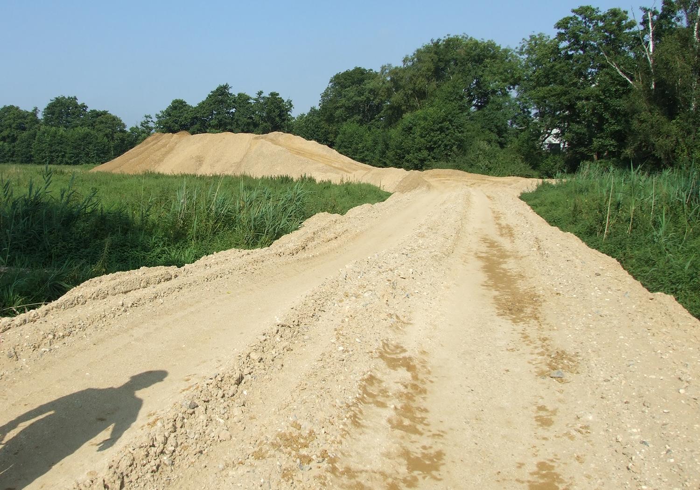 Projects-MineralsWaste-Lignacite-SandPath-1500x1050