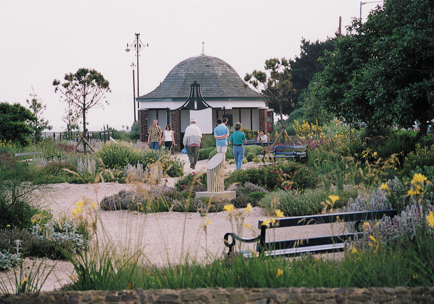 Projects-ParksPublicRealm-ClactonGardens-OpenGarden-1500x1050