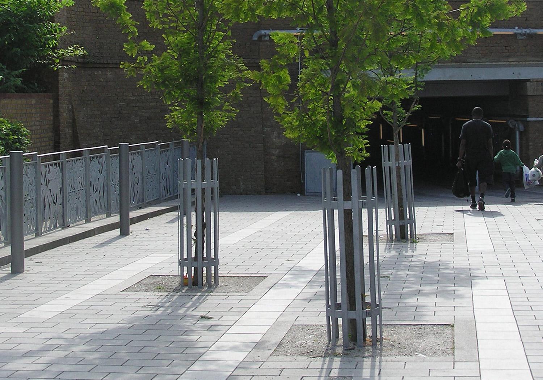 Projects-ParksPublicRealm-WalpoleUnderpass-FlowerRailing-1500x1050