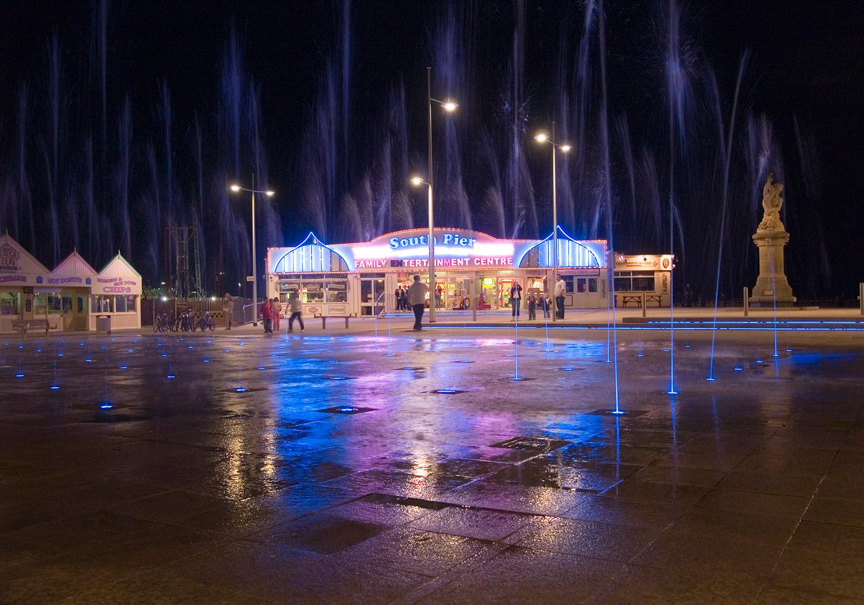 Projects-ParksPublicRealm-WaveneySunrise-Pier-1500x1050