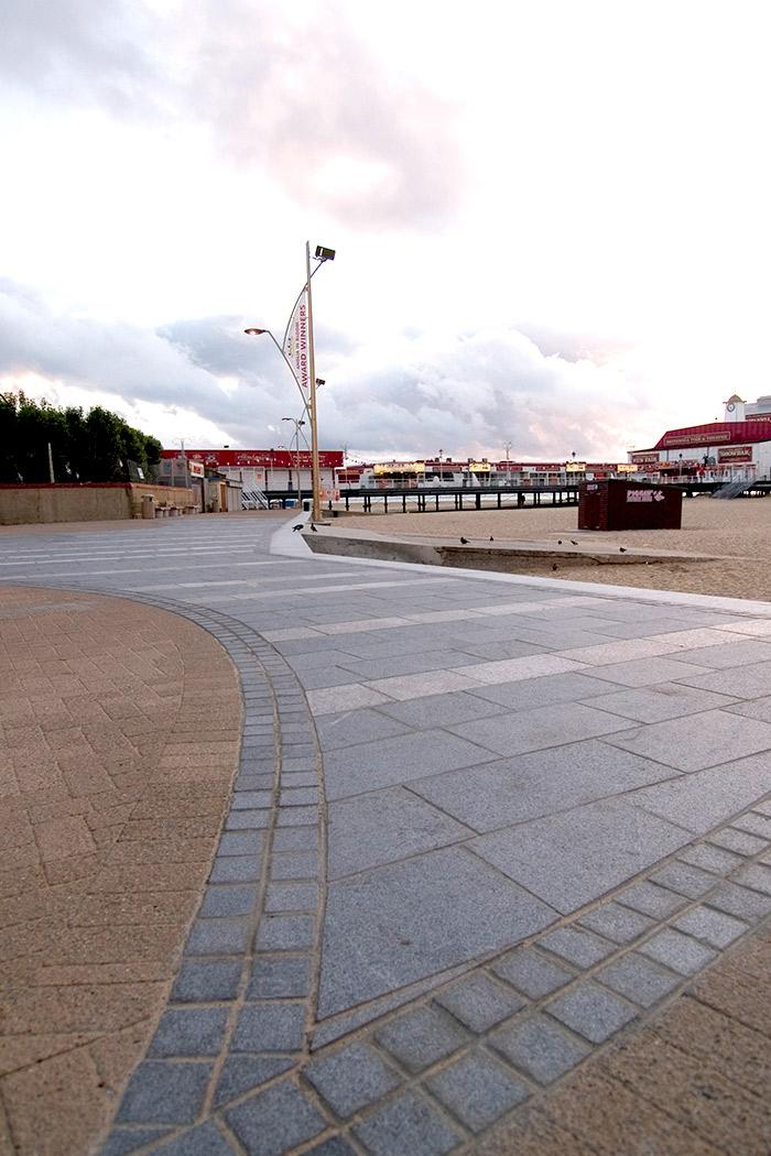 Projects-ParksPublicRealm-YarmouthEsplanade-Pier-1050x700